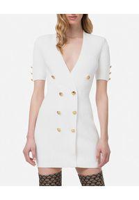 Elisabetta Franchi - ELISABETTA FRANCHI - Biała mini sukienka ze złotymi guzikami. Kolor: biały. Materiał: tkanina, wiskoza. Typ sukienki: dopasowane. Styl: glamour. Długość: mini