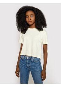 Guess T-Shirt Astra O1GA10 I3Z11 Żółty Cropped Fit. Kolor: żółty