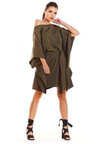 Infinite You - Sukienka oversize typu motyl z paskiem. Materiał: elastan. Typ sukienki: oversize. Styl: sportowy, elegancki