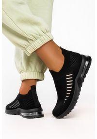 Casu - Czarne buty sportowe slip on casu 7044-2. Zapięcie: bez zapięcia. Kolor: czarny. Styl: sportowy