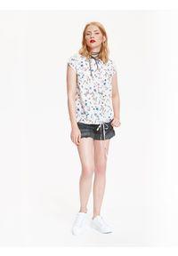 Biała bluzka TOP SECRET w kolorowe wzory, casualowa, z krótkim rękawem