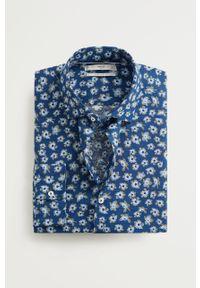 Niebieska koszula Mango Man w kwiaty, na co dzień, klasyczna, z klasycznym kołnierzykiem