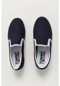 Tommy Jeans - Tenisówki. Kolor: niebieski. Materiał: guma
