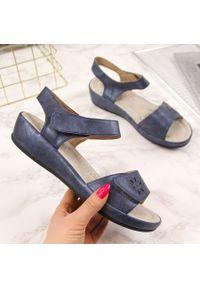 Niebieskie sandały S.Barski na rzepy