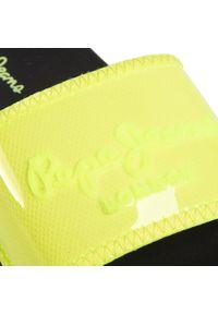 Żółte klapki Pepe Jeans na co dzień, casualowe