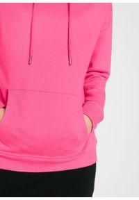 """Bluza oversize z kapturem bonprix różowy """"pinklady"""". Typ kołnierza: kaptur. Kolor: różowy"""