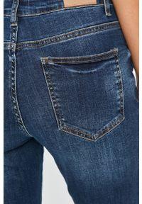 Niebieskie jeansy Answear Lab wakacyjne #5