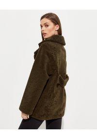 ALMAROSAFUR - Dwustronna kurtka Ingrid. Kolor: zielony. Wzór: moro. Styl: klasyczny, militarny