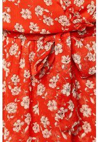 Czerwona sukienka Pepe Jeans mini, z krótkim rękawem, w kwiaty, rozkloszowana