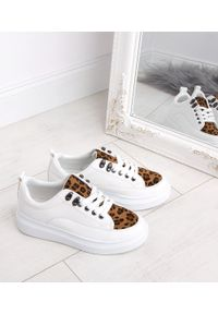 Białe buty sportowe N/M trekkingowe, z motywem zwierzęcym