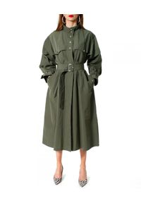 Zielony płaszcz AGGI na wiosnę, na spacer