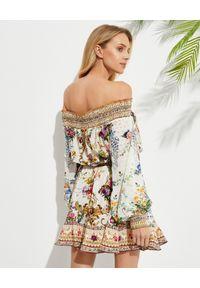 Camilla - CAMILLA - Sukienka mini z hiszpańskim dekoltem. Kolor: beżowy. Materiał: jedwab. Wzór: kwiaty, aplikacja. Długość: mini