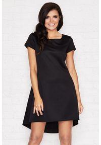 Infinite You - Elegancka asymetryczna sukienka z kontrafałdą z tyłu. Materiał: materiał, elastan. Długość rękawa: krótki rękaw. Typ sukienki: asymetryczne. Styl: elegancki