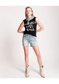 ONETEASPOON - Spodenki jeansowe Legend Mom Fit. Stan: podwyższony. Kolor: niebieski. Materiał: jeans. Wzór: aplikacja