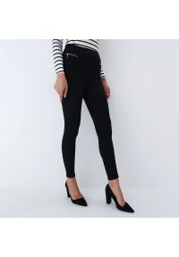 Mohito - Spodnie slim - Czarny. Kolor: czarny