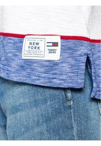 Tommy Jeans T-Shirt Stripe Linear Logo DM0DM10285 Niebieski Regular Fit. Kolor: niebieski