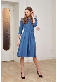 Marie Zélie - Sukienka Anastazja szaroniebieska. Kolor: niebieski. Materiał: dzianina. Styl: klasyczny