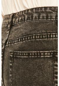 Czarne jeansy loose fit ANSWEAR