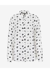 Armani Exchange - ARMANI EXCHANGE - Biała koszula z printem. Okazja: na co dzień, do pracy, na spotkanie biznesowe. Kolor: czarny. Materiał: wiskoza. Długość rękawa: długi rękaw. Długość: długie. Wzór: nadruk. Styl: biznesowy, casual, klasyczny