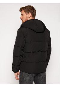 Czarna kurtka zimowa Wrangler