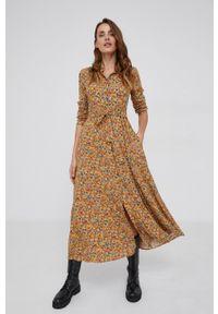 Answear Lab - Sukienka. Okazja: na co dzień. Kolor: żółty. Materiał: tkanina. Długość rękawa: długi rękaw. Typ sukienki: proste. Styl: wakacyjny