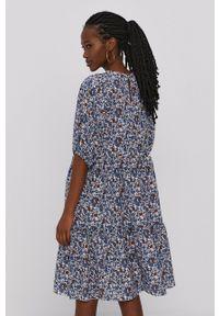 Haily's - Sukienka. Kolor: niebieski. Materiał: tkanina. Długość rękawa: krótki rękaw. Typ sukienki: rozkloszowane