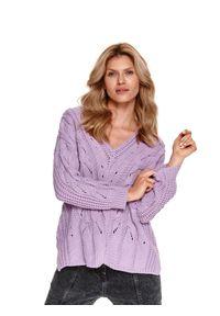 TOP SECRET - Pudełkowy sweter z warkoczami. Typ kołnierza: dekolt w kształcie V. Kolor: różowy. Materiał: tkanina. Długość: długie. Wzór: aplikacja. Sezon: wiosna. Styl: elegancki