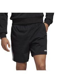 Czarne spodenki sportowe Adidas w paski