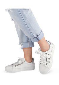 Białe buty sportowe N/M z aplikacjami, trekkingowe