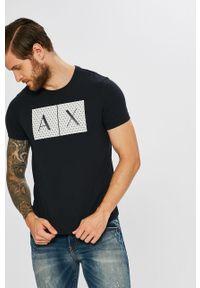 Niebieski t-shirt Armani Exchange z okrągłym kołnierzem, z aplikacjami