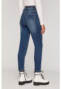 Niebieski jeansy loose fit medicine w kolorowe wzory, z podwyższonym stanem