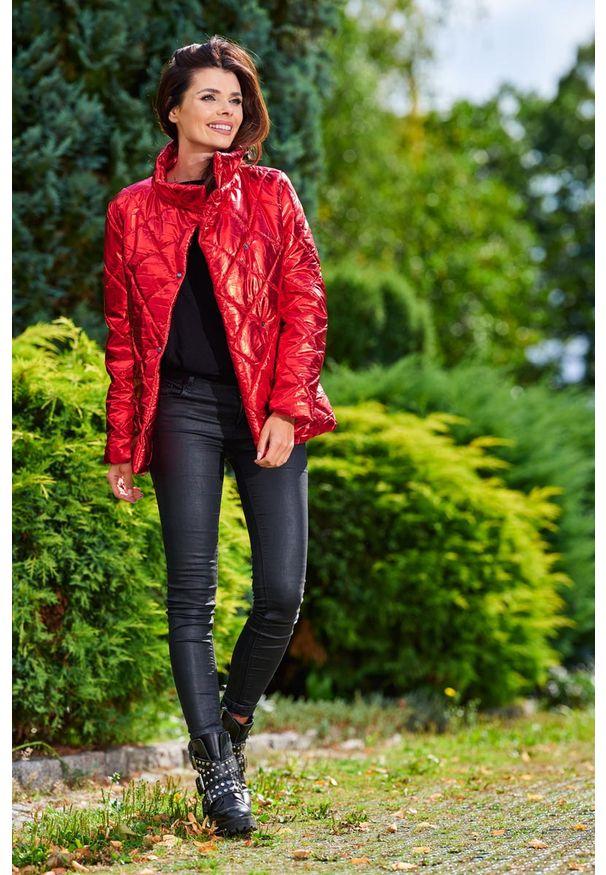 Czerwona kurtka pikowana Awama