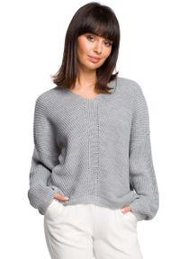 Szary sweter asymetryczny MOE z dekoltem w serek