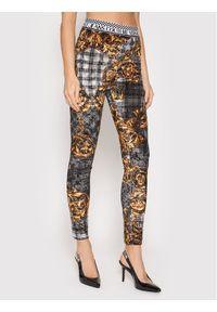 Versace Jeans Couture Legginsy Tartan Baroque Print 71HAC101 Szary Slim Fit. Kolor: szary. Wzór: nadruk