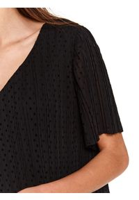 Czarna sukienka TOP SECRET z dekoltem w serek, mini, koszulowa