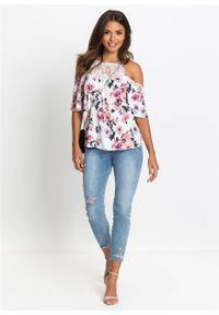 Shirt cold-shoulder z koronką bonprix biel wełny w kwiaty. Kolor: biały. Materiał: wełna, koronka. Długość rękawa: krótki rękaw. Długość: krótkie. Wzór: koronka, kwiaty