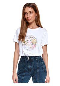 TOP SECRET - T-shirt z nadrukiem. Okazja: na co dzień. Kolor: biały. Materiał: tkanina, bawełna. Długość rękawa: krótki rękaw. Długość: krótkie. Wzór: nadruk. Sezon: wiosna. Styl: wizytowy, klasyczny, casual