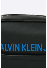 Czarna torebka Calvin Klein na ramię, mała