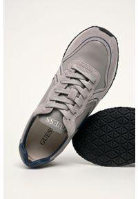 Szare sneakersy Guess Jeans z cholewką, na sznurówki