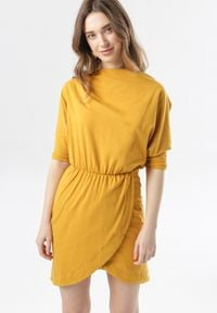 Born2be - Żółta Sukienka Phianele. Kolor: żółty