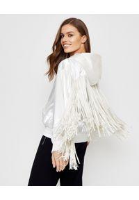 Pinko - PINKO - Biała kurtka z frędzlami Siberiano. Kolor: biały. Materiał: tkanina, nylon. Długość: długie. Wzór: aplikacja. Sezon: lato, wiosna