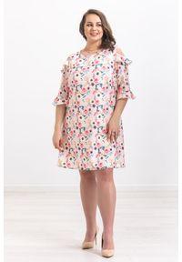 Różowa sukienka Moda Size Plus Iwanek w kwiaty, oversize, na wiosnę
