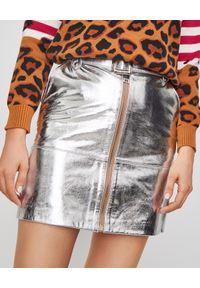Pinko - PINKO - Spódnica srebrna ze skóry. Okazja: na imprezę, na co dzień. Kolor: srebrny. Materiał: skóra. Styl: casual