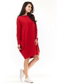 Infinite You - Dresowa sukienka oversize z dużymi naszywanymi kieszeniami. Okazja: na co dzień. Materiał: dresówka. Typ sukienki: oversize. Styl: casual