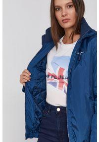 Pepe Jeans - Kurtka przeciwdeszczowa Alison. Kolor: niebieski. Materiał: materiał. Wzór: gładki