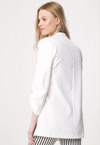 Born2be - Biała Marynarka Oneself. Kolor: biały. Materiał: tkanina. Wzór: gładki