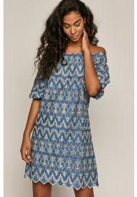 medicine - Medicine - Sukienka Summer Linen. Typ kołnierza: dekolt hiszpanka. Kolor: niebieski. Materiał: tkanina. Wzór: haft. Typ sukienki: rozkloszowane