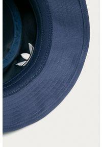 adidas Originals - Kapelusz. Kolor: fioletowy