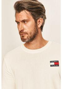 Biała koszulka z długim rękawem Tommy Jeans z aplikacjami, z okrągłym kołnierzem