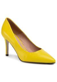 Żółte szpilki Gino Rossi z cholewką, eleganckie, na szpilce